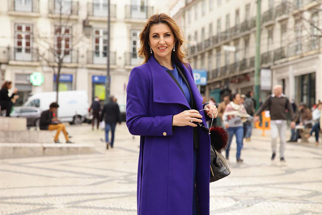 Eliane Ribeiro, Luxury Real Estate Agent