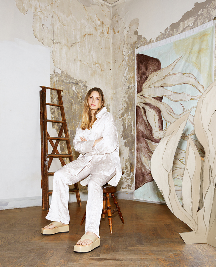 abstract illustrator Anna Mörner wearing The new Atelier by Vagabond SS2021 Collection